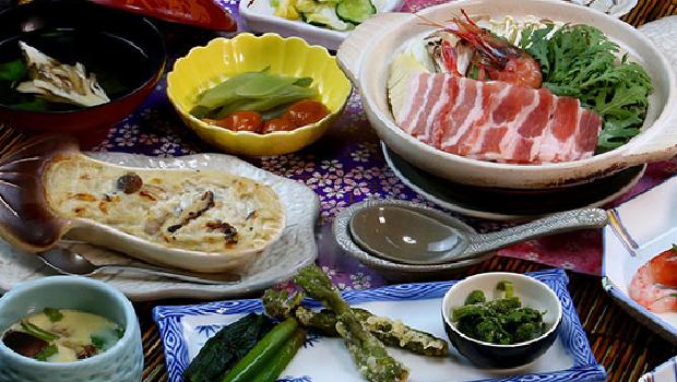 山菜たっぷり鍋コース